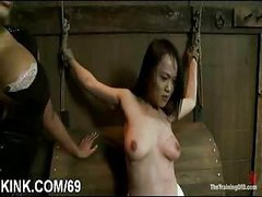 Slave hawt girl entertains her husband